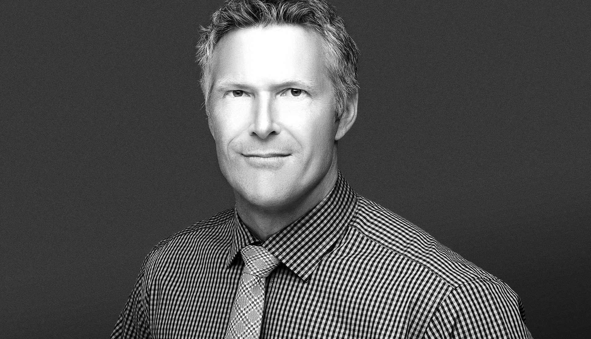 Metro headshots experts in black and white business portraits